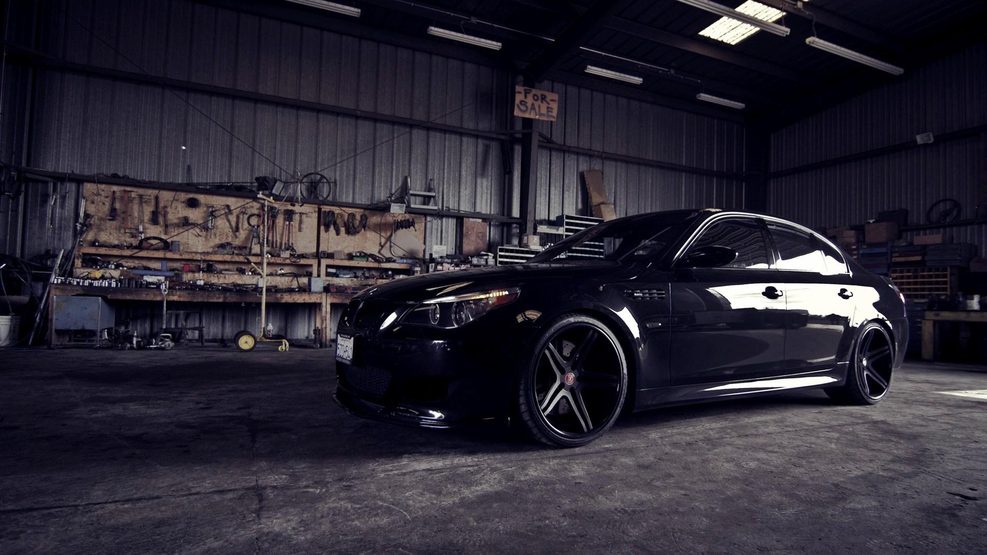 BMW M5 Garage