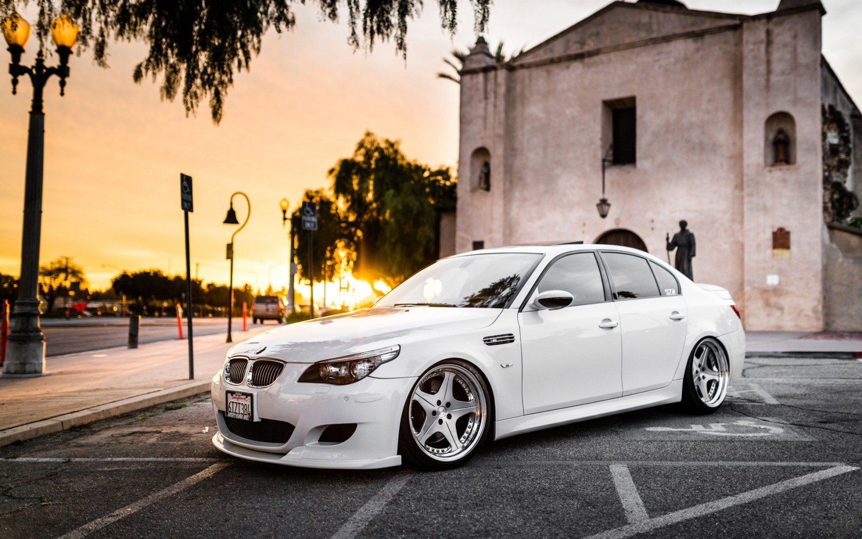 BMW M5 White Tuning City