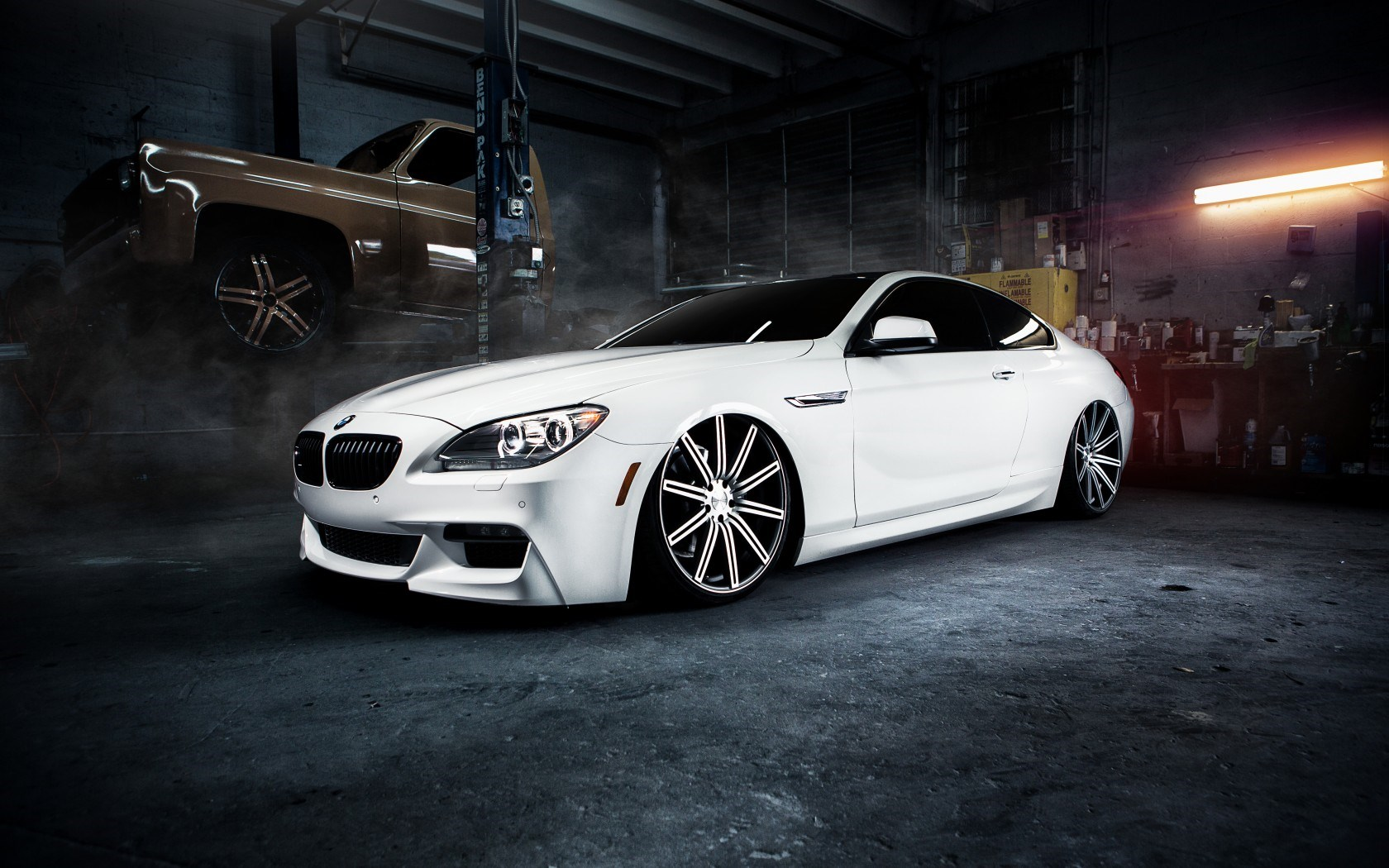 BMW M6 White Car Garage