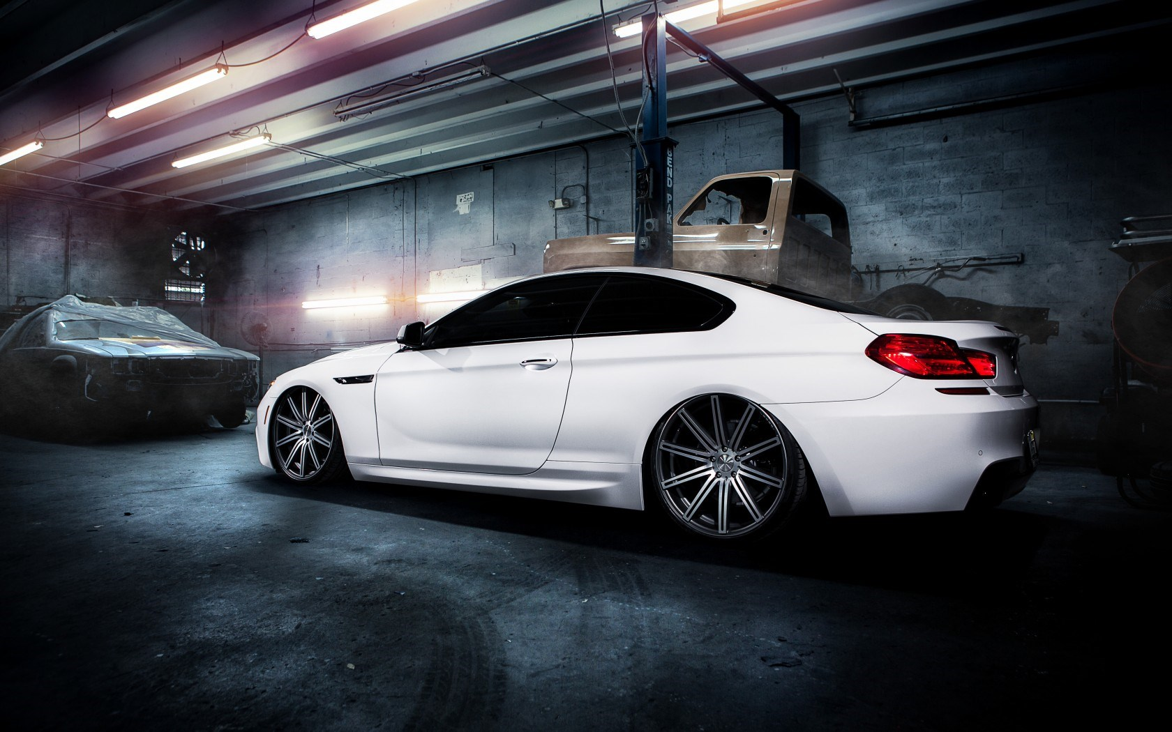BMW M6 White Garage Car