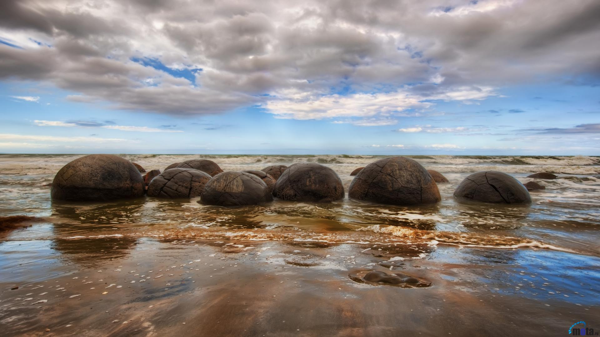 Desktop wallpapers Moeraki Boulders, New Zealand.