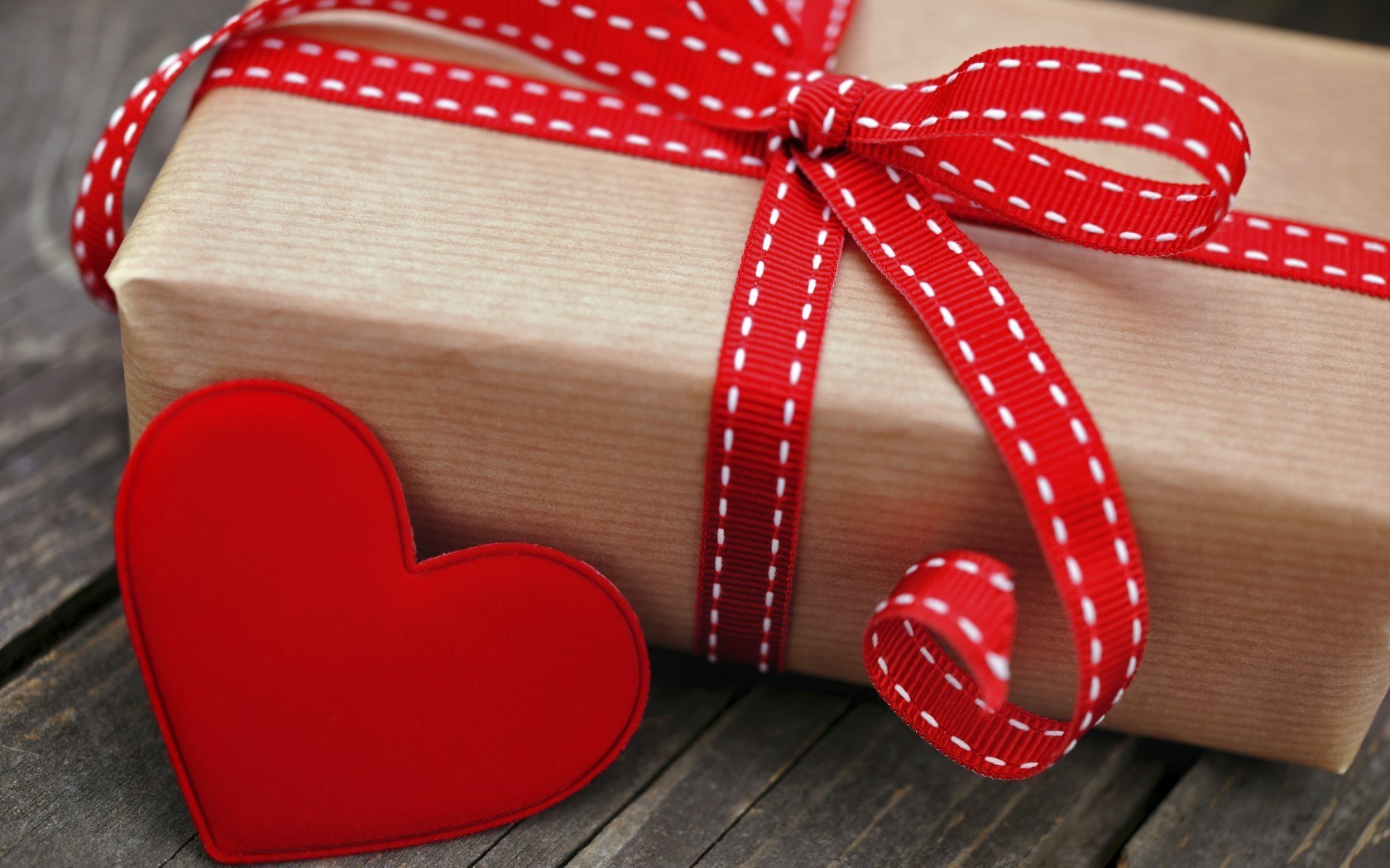 Box Gift Holiday Red Heart Love
