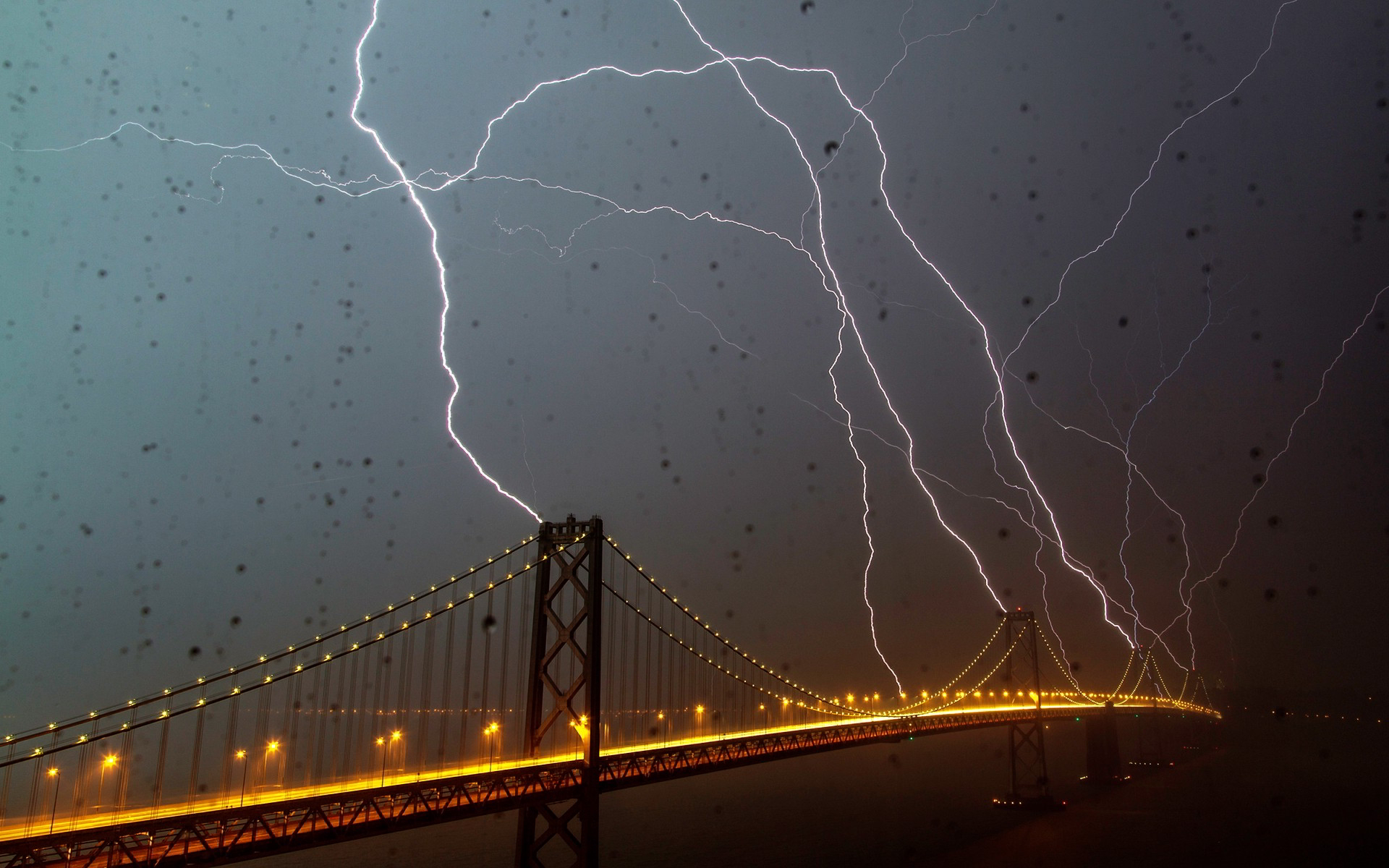 Bridge lightning Wallpapers Pictures Photos Images. «