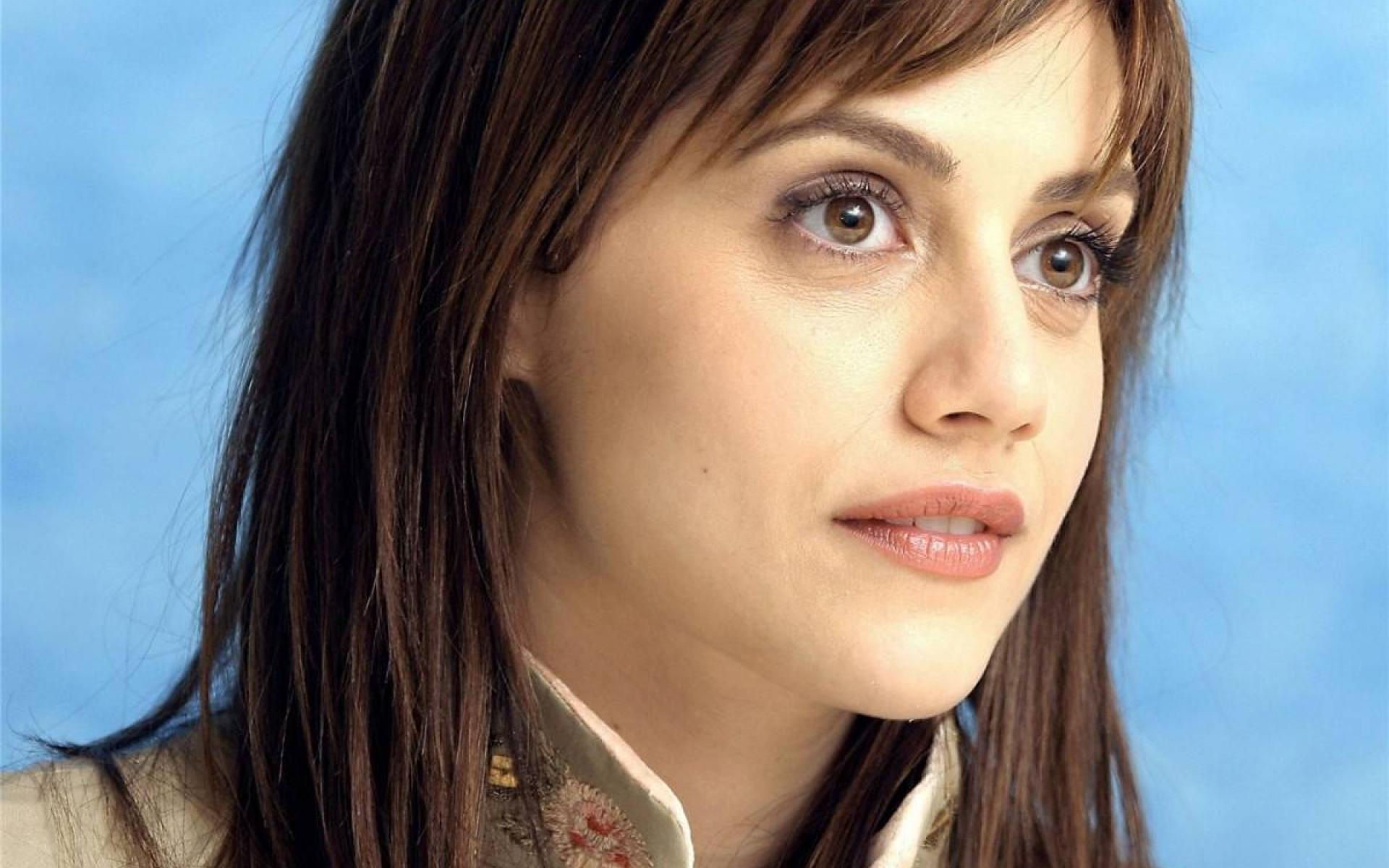 Brittany Murphy wallpaper | 1920x1200 | #49082