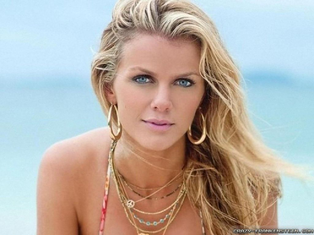 Wallpaper: lovely Brooklyn Decker wallpapers