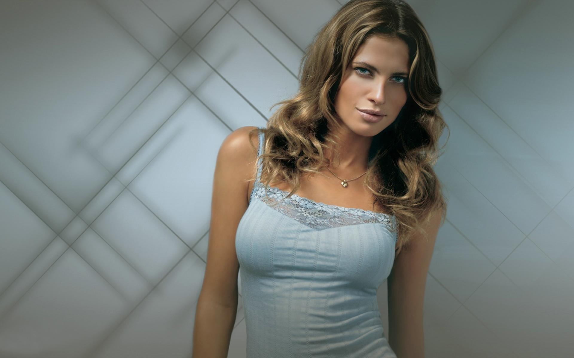 Bruna Magagnal Model
