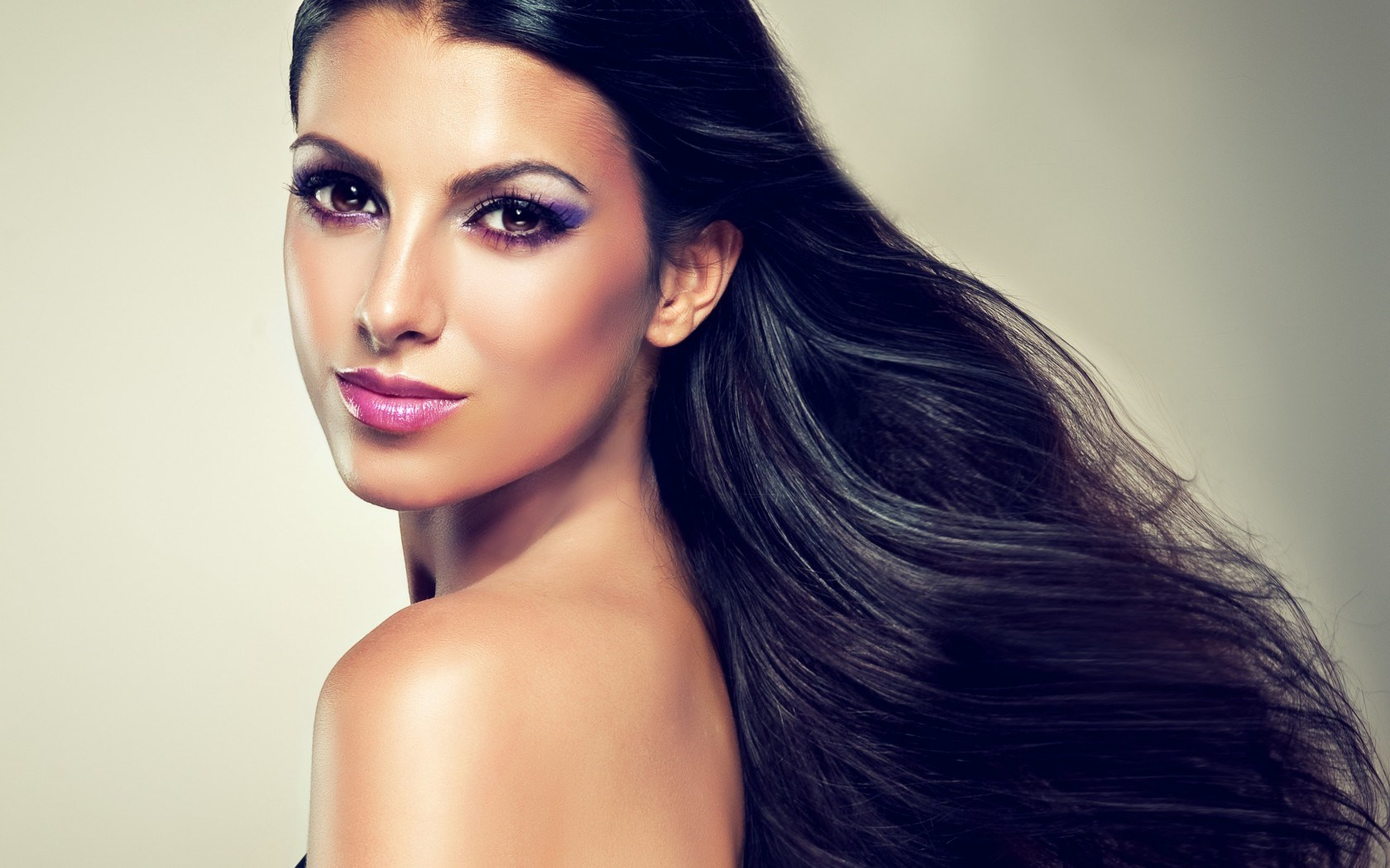 Brunette Style Makeup