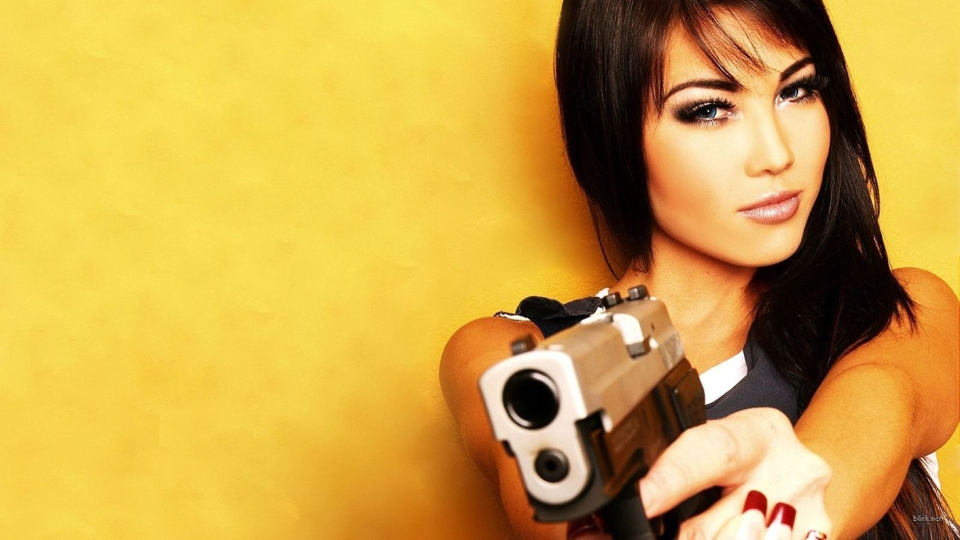 HD Wallpaper of Wallpapers Savers Screen Miscellaneous Gun Girls Babes Brunette Celebrity General, Desktop Wallpaper