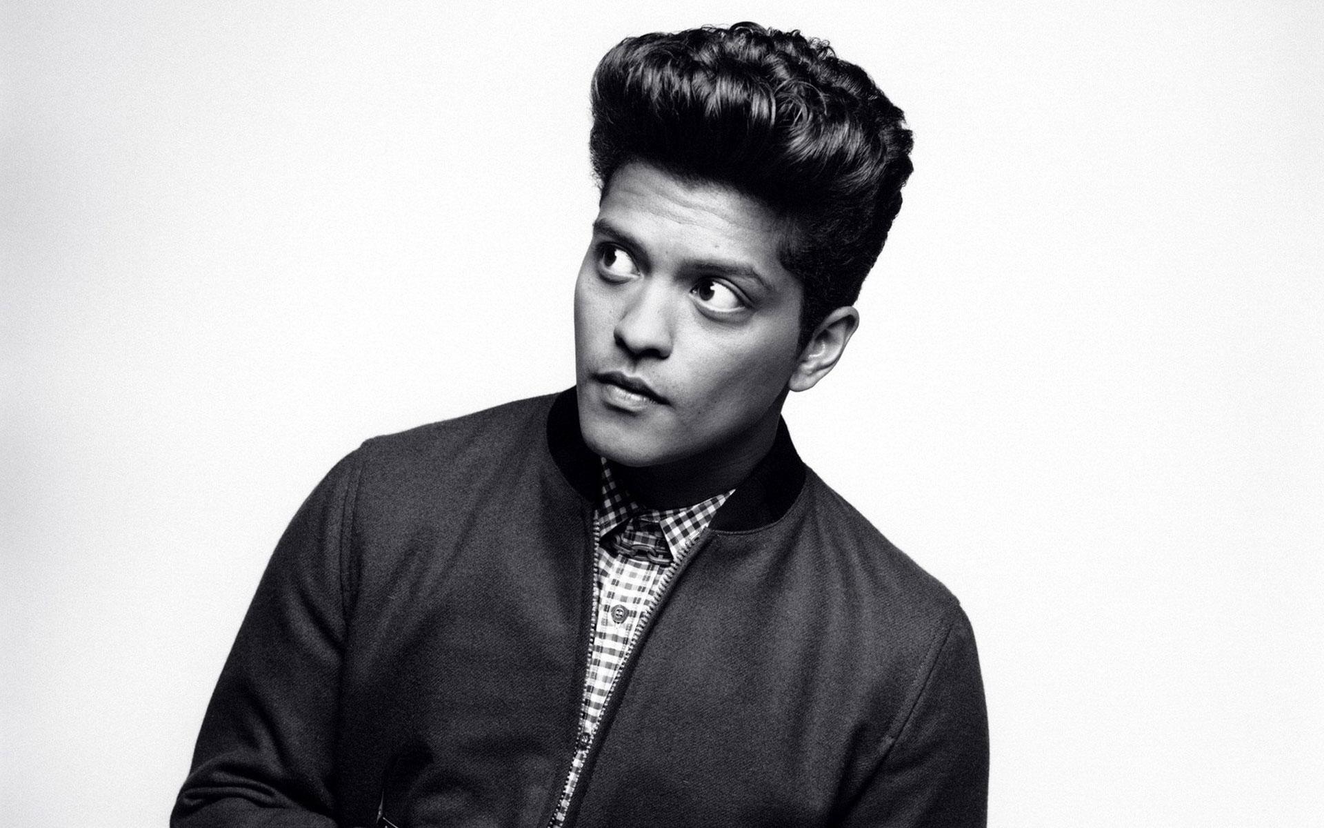 Bruno-Mars-BW-HD-Wallpaper
