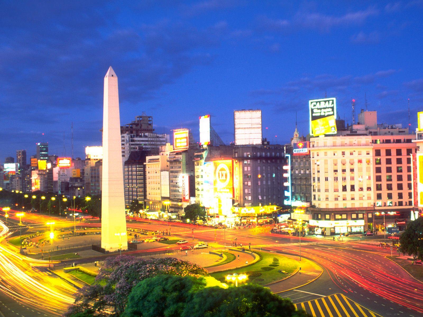 Buenos Aires Argentina night wallpaper – 1600 x 1200 pixels – 321 kB