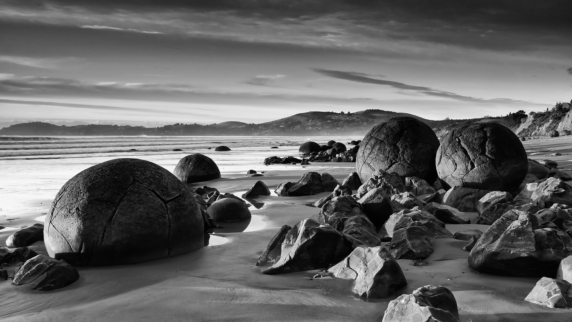 BW Boulders Wallpaper