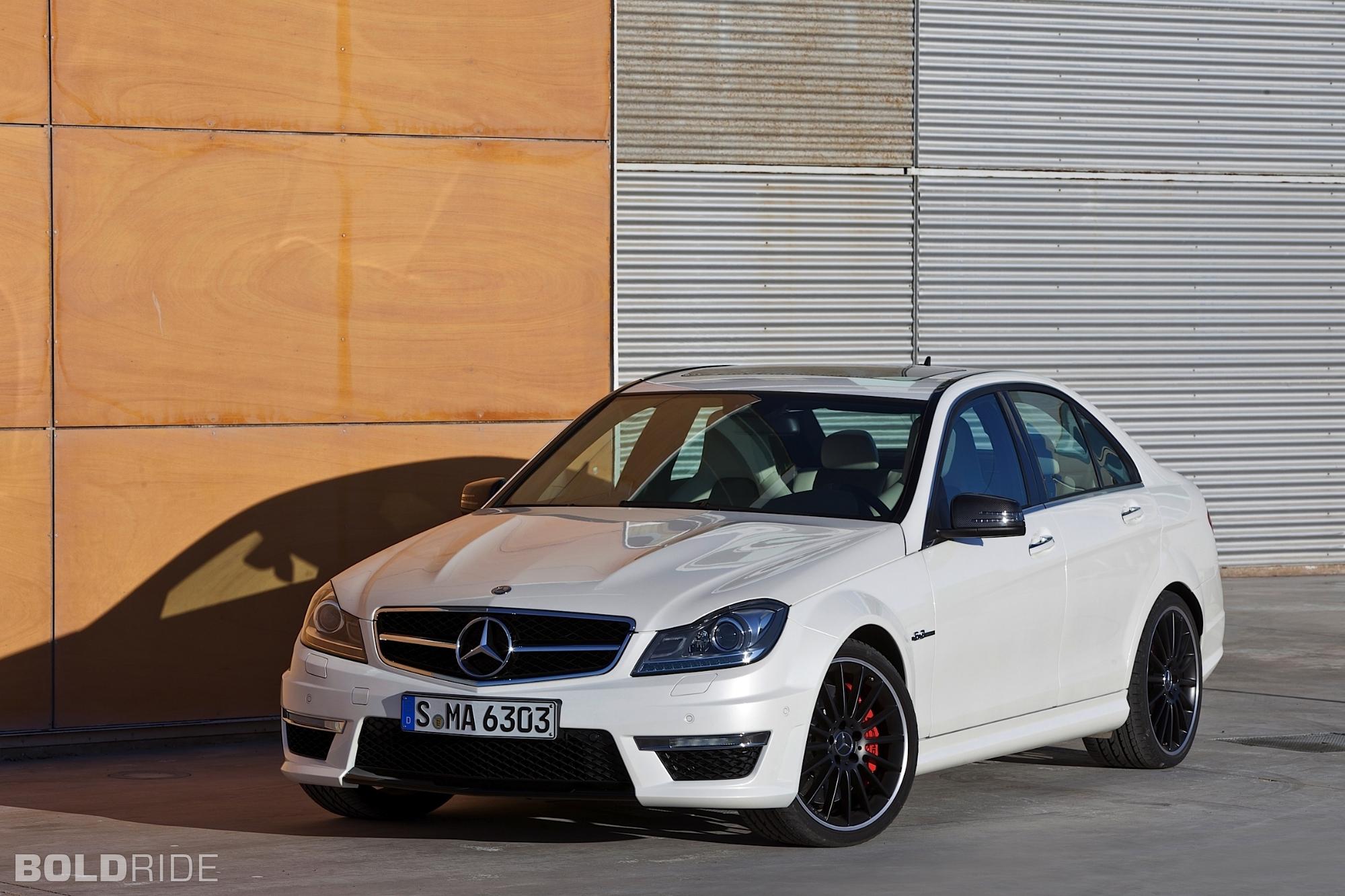 2012 Mercedes-Benz C63 AMG Sedan 2000 x 1333