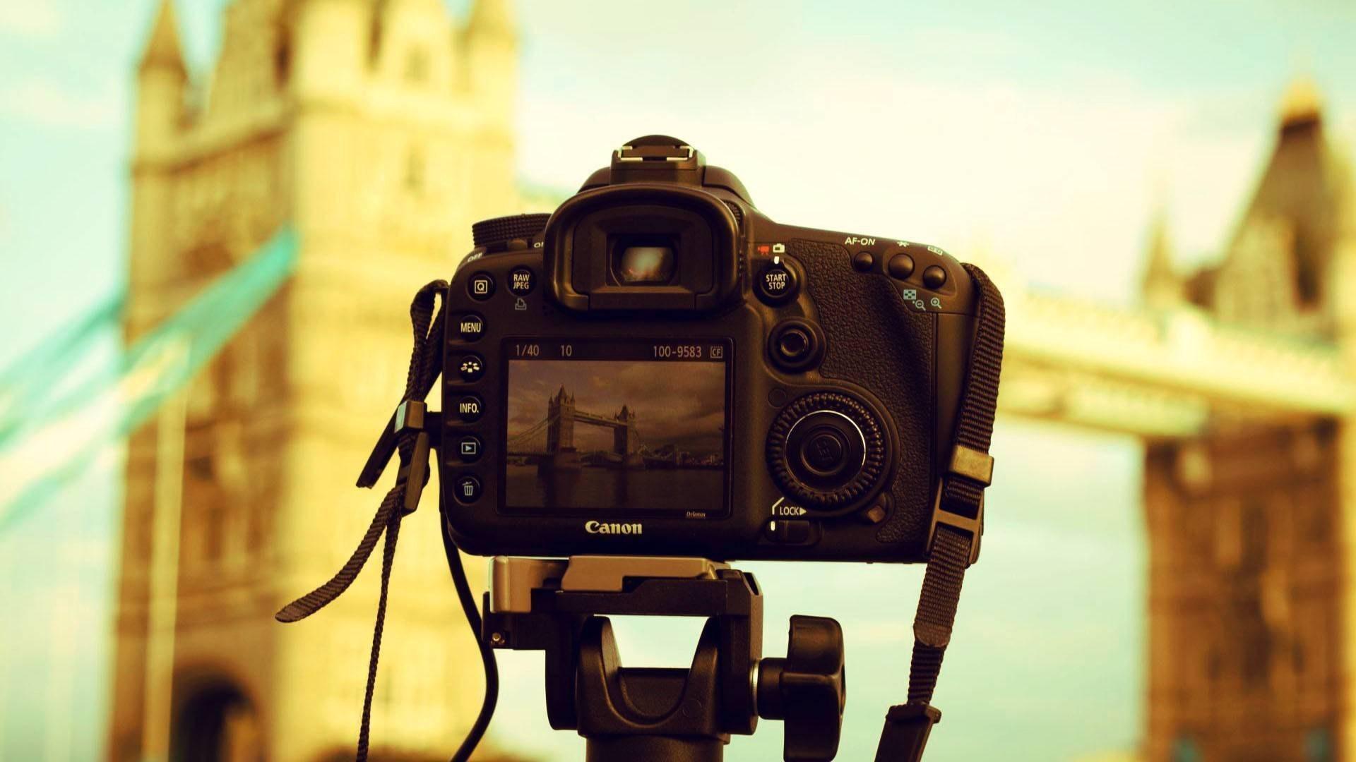 Camera Canon Tower Bridge London England Photo