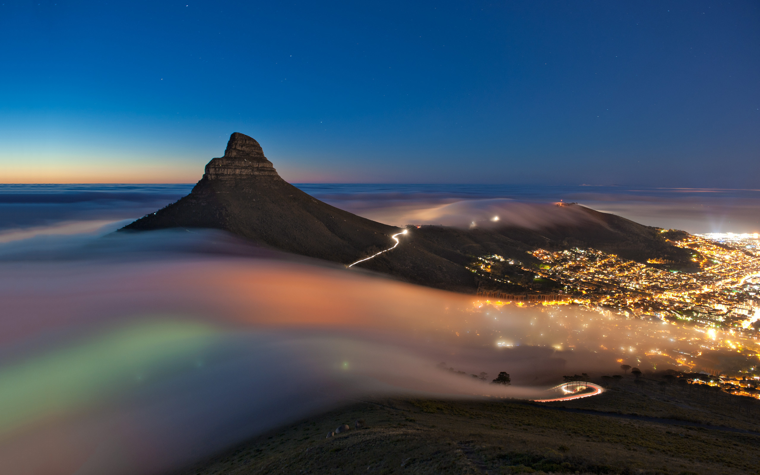 Cape town foggy night