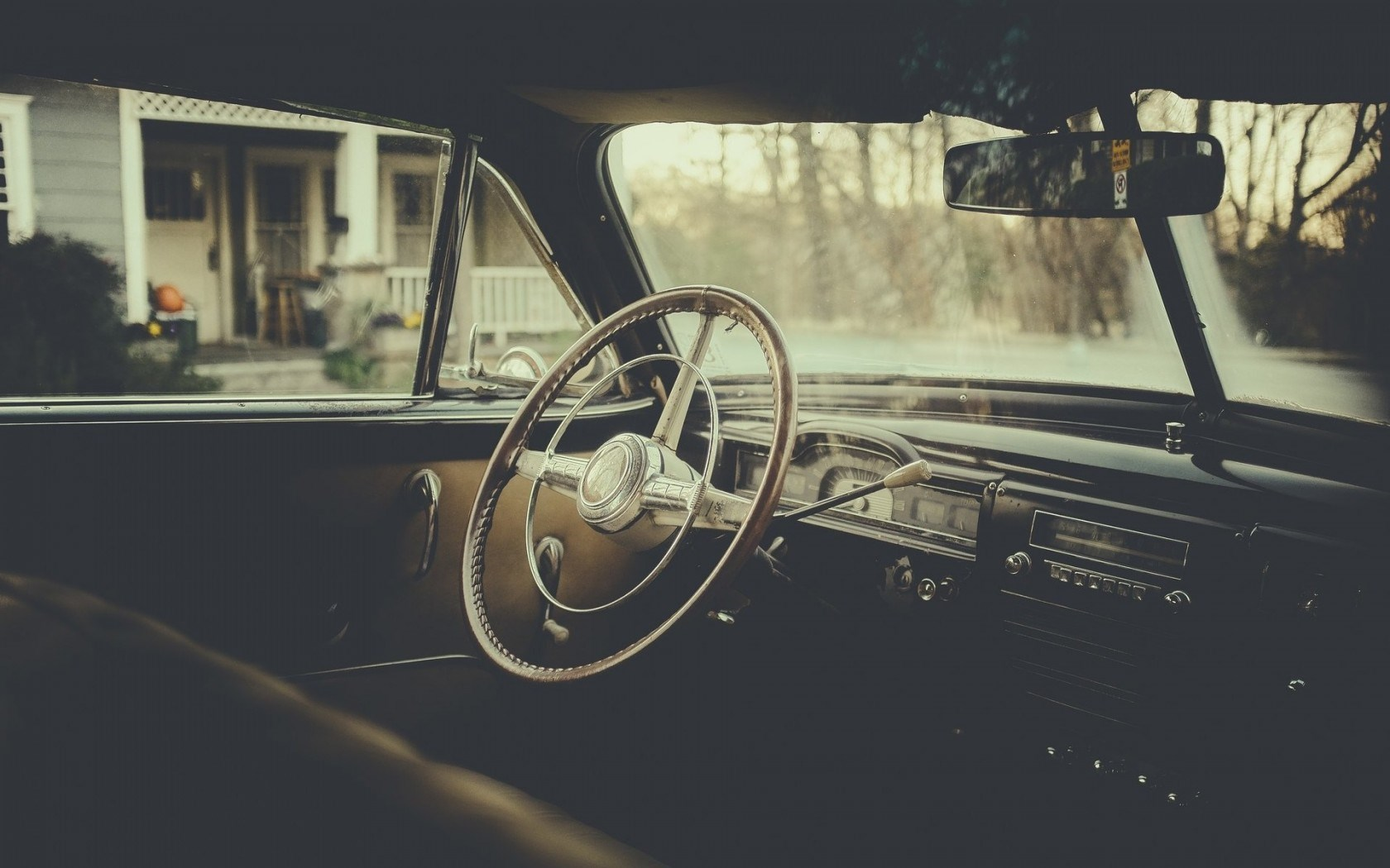 car classic interior steering wheel wallpaper 1680x1050 16385. Black Bedroom Furniture Sets. Home Design Ideas