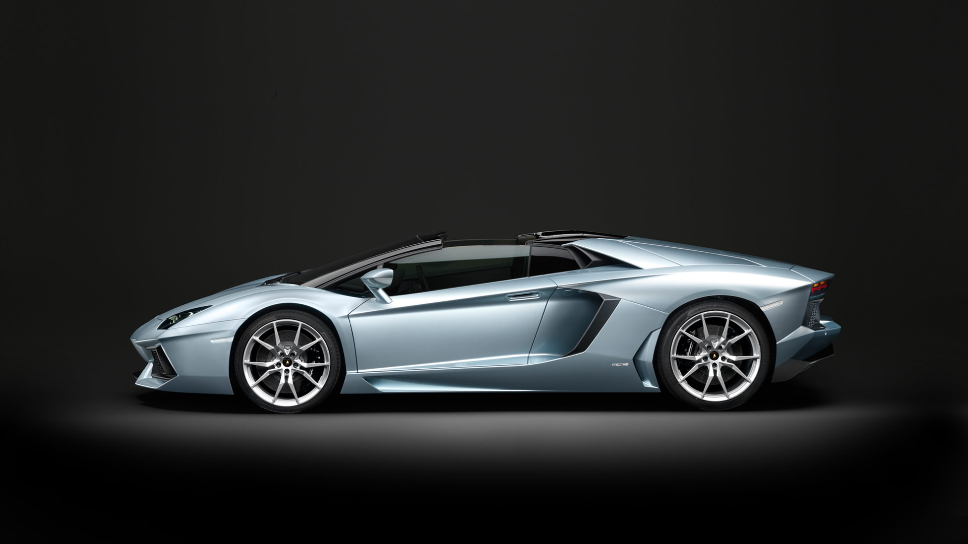 Car Lamborghini Aventador LP 700-4 Roadster