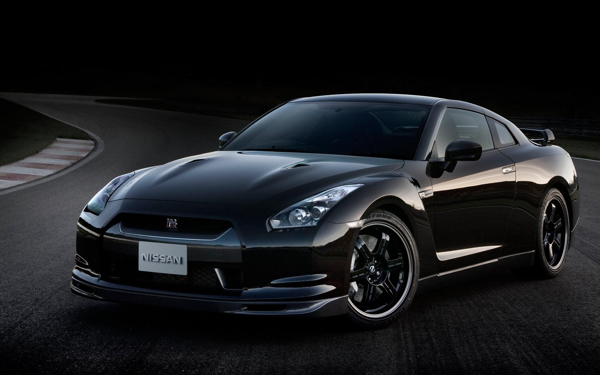 Car Nissan GT-R