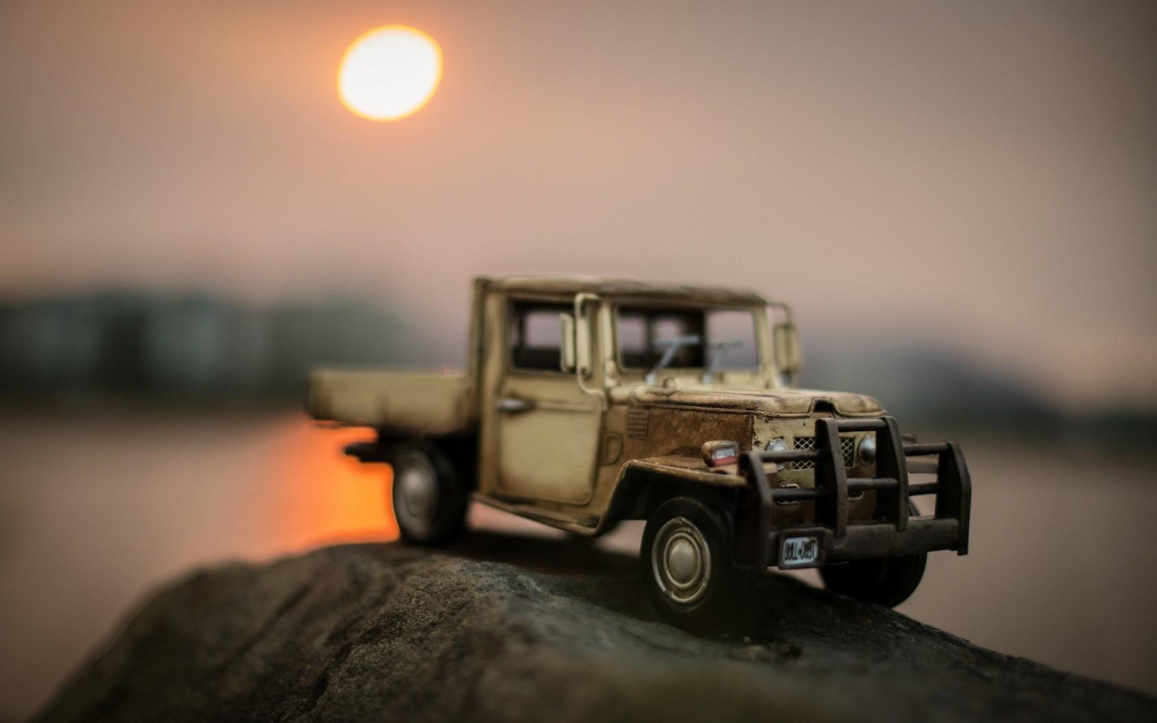 Car Toy Sun