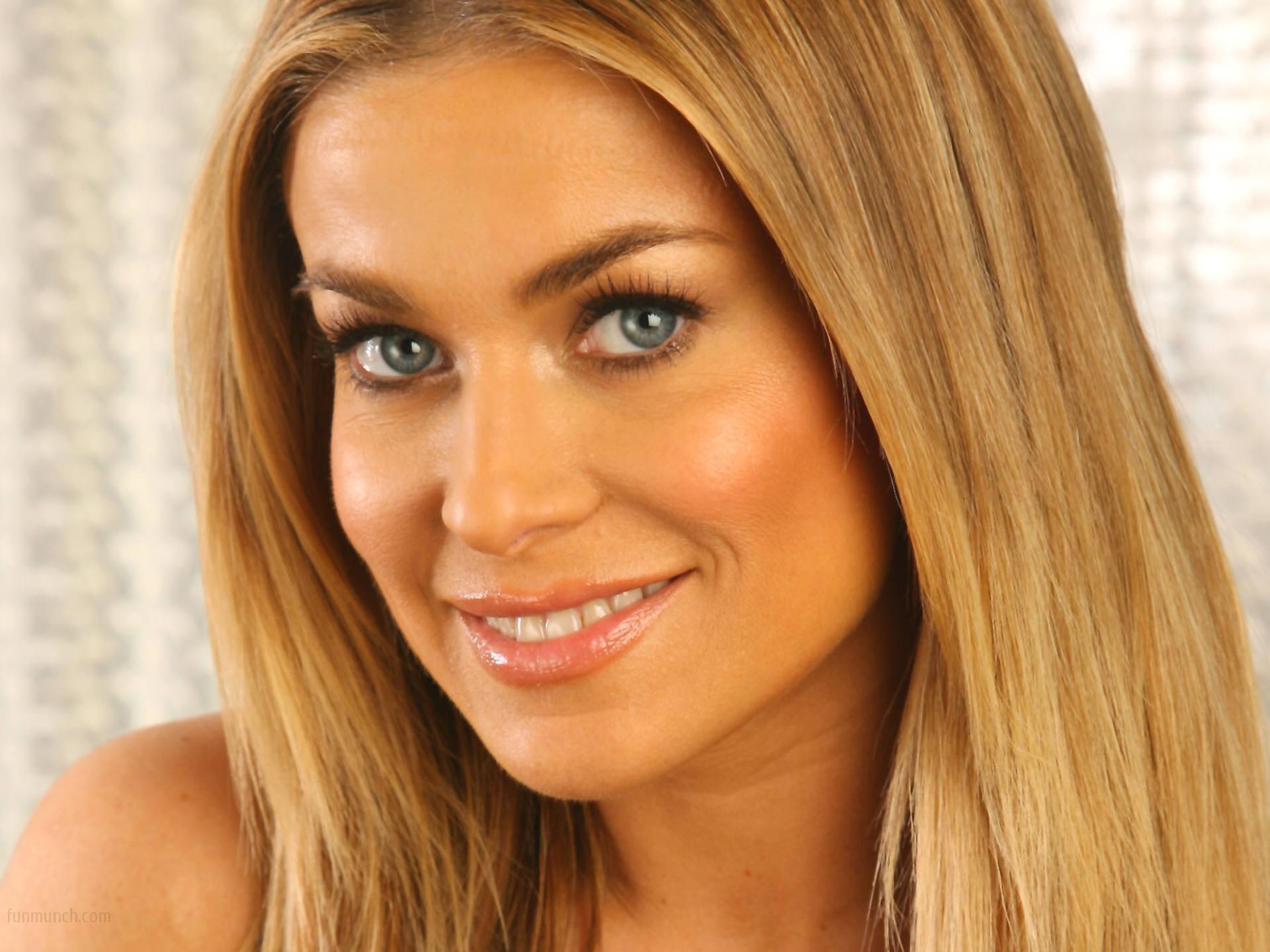 Beautiful Female Celebrities Carmen Electra 3