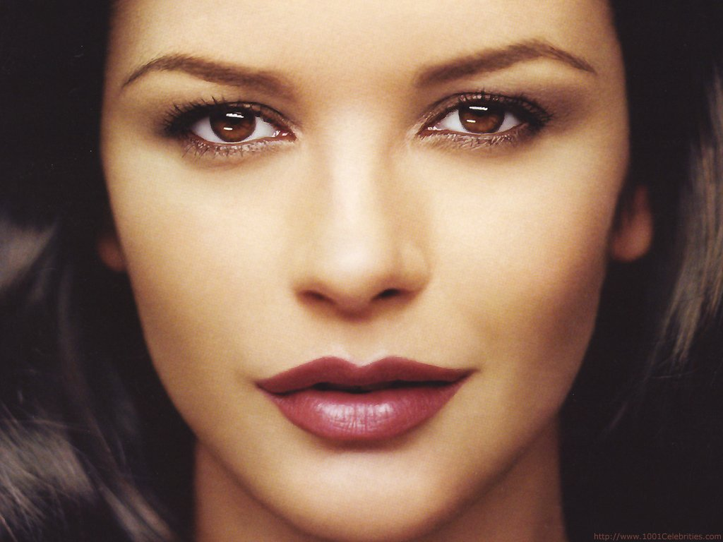 Katherine Zeta Jones, although nearing her mid 40's, this Welsh wonder looks to be nowhere near her age.