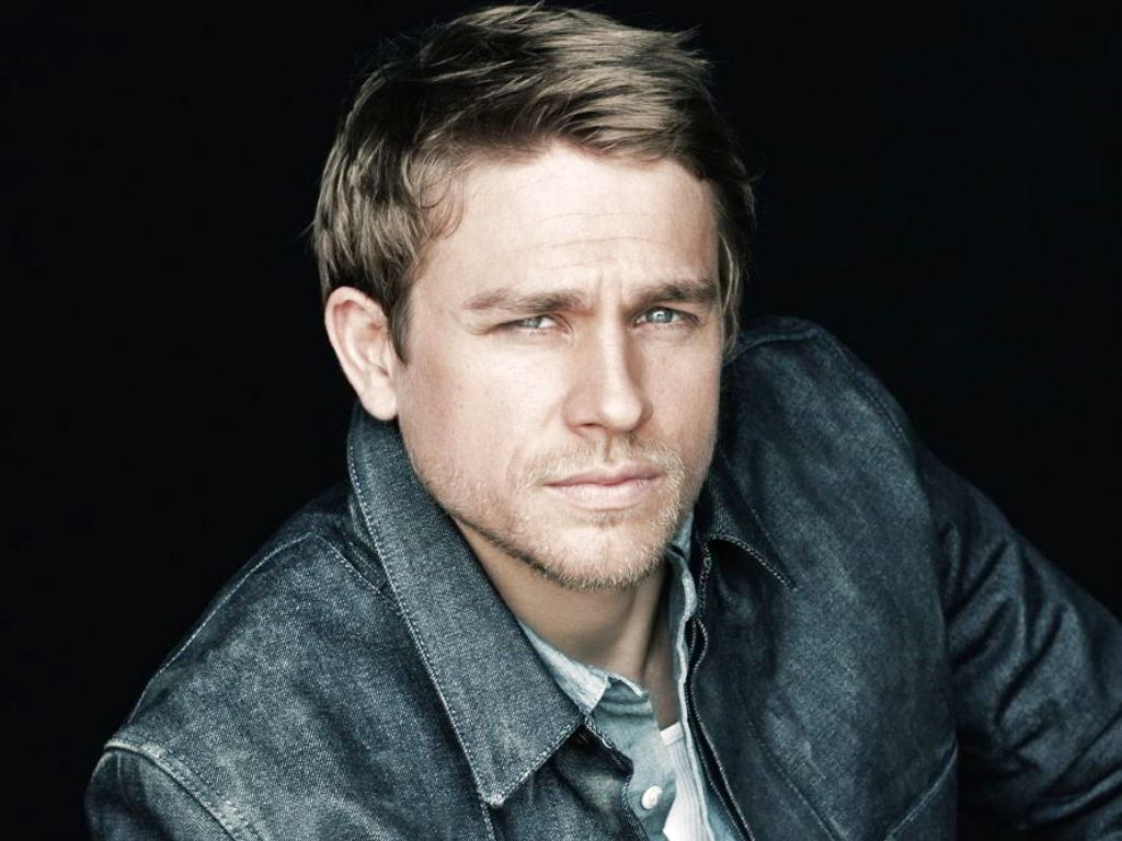 Charlie Hunnam HD Wallpapers