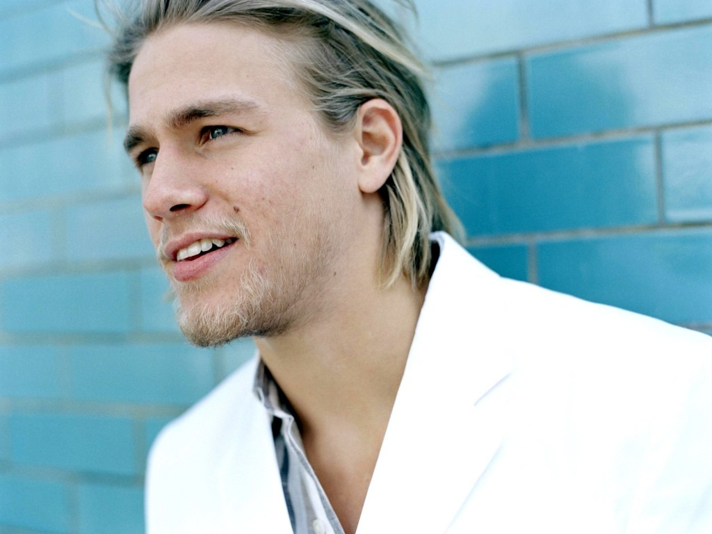 I'm guessing the massive outcry coupled with the fact that Hunnam just started shooting SOA's season 6 yesterday (Oct 11th) was the reason for him bailing; ...