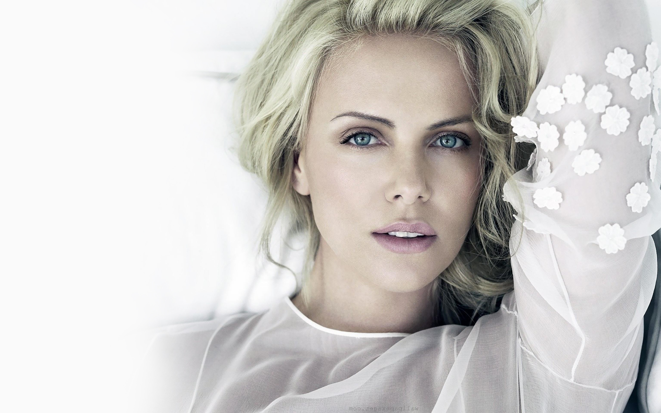 Charlize Theron Widescreen 6 Thumb