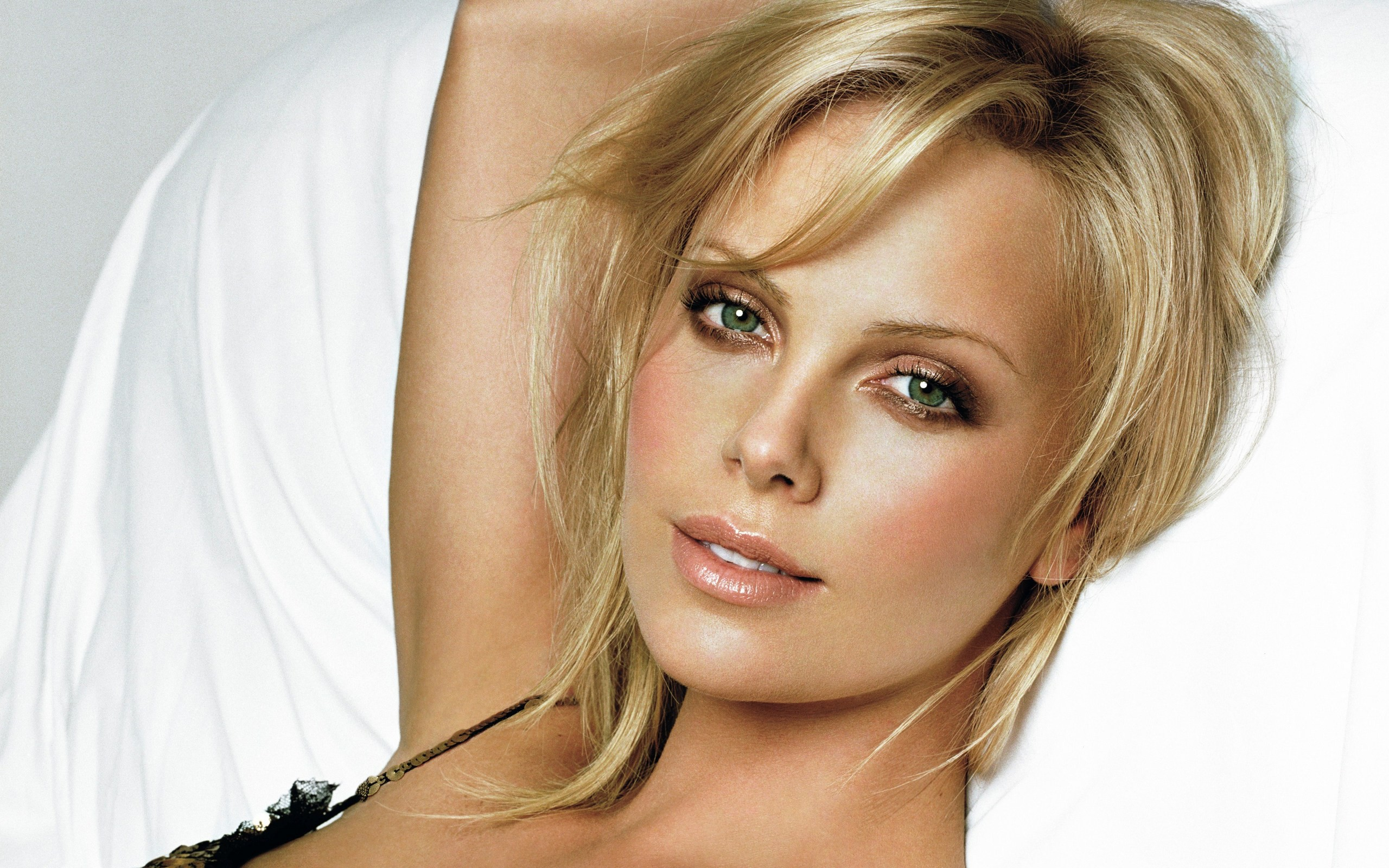 Fonds d'écran Charlize Theron PC et Tablettes (iPad, etc...)