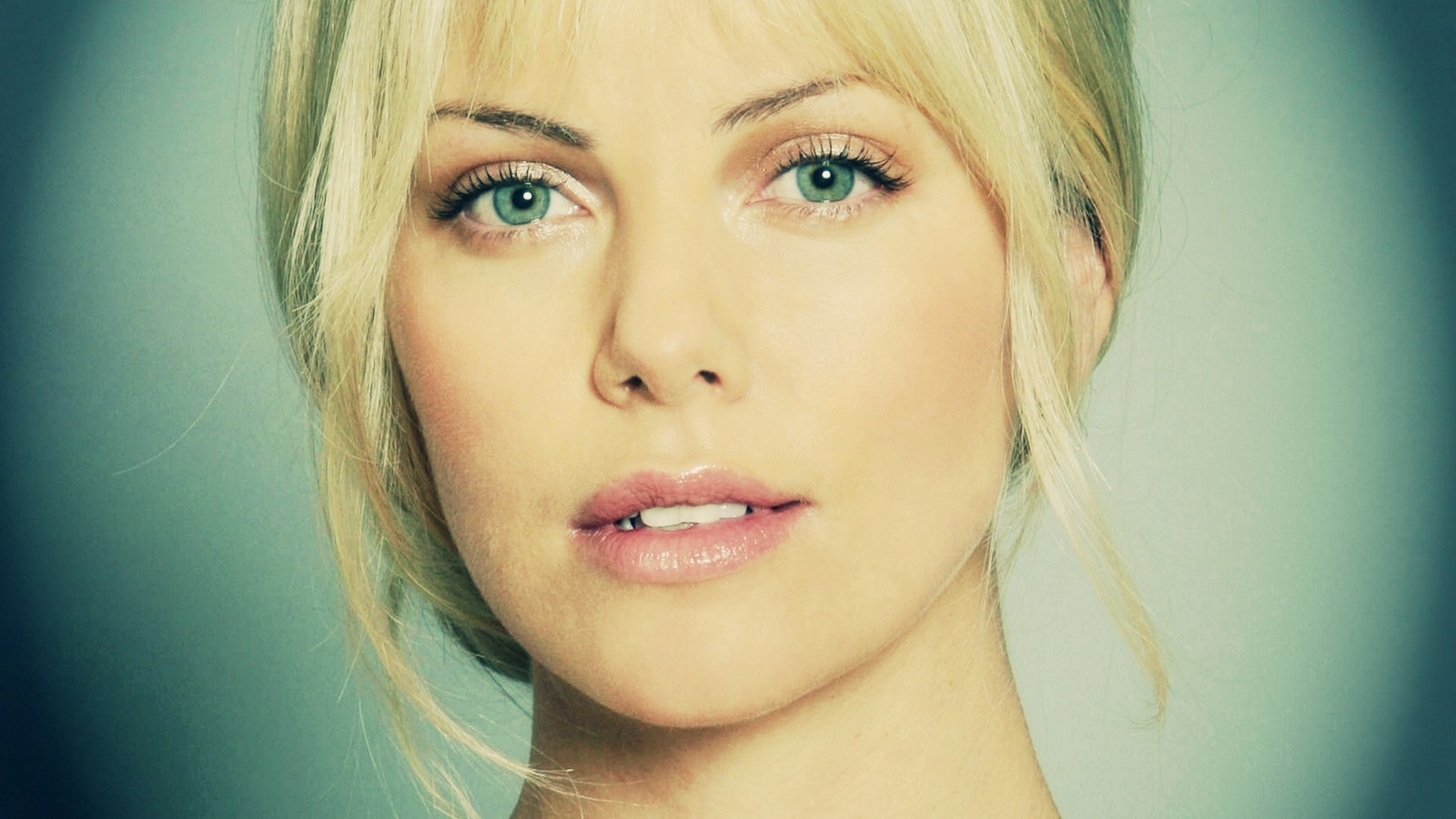 Charlize Theron Charlize Theron Wallpaper