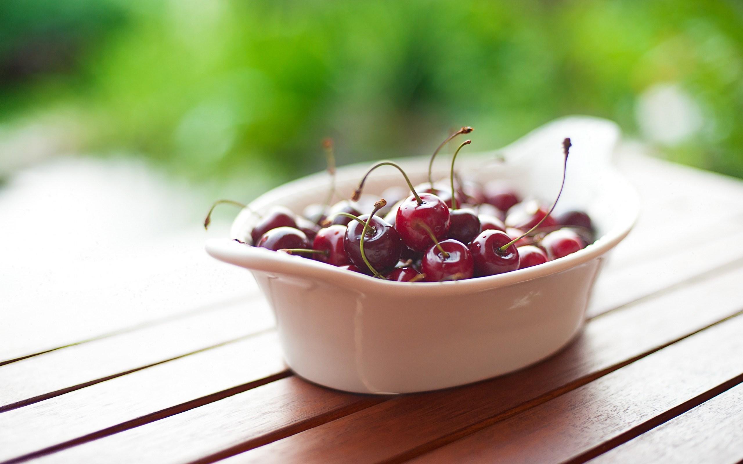 Cherries Table