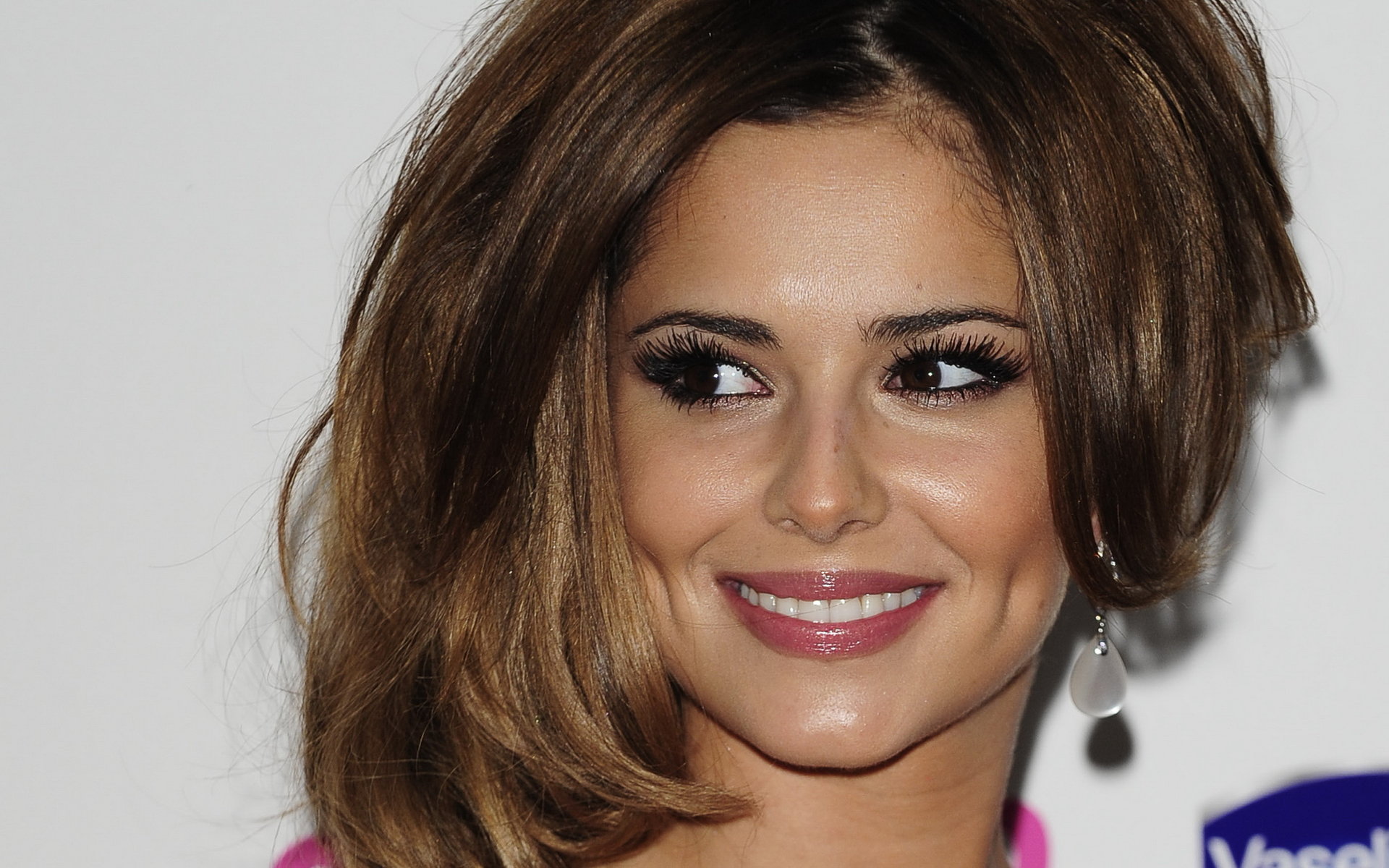 Cheryl Cole HD Wallpapers-0 ?