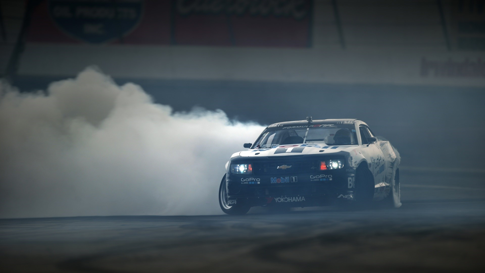 Chevrolet Camaro Drift Smoke