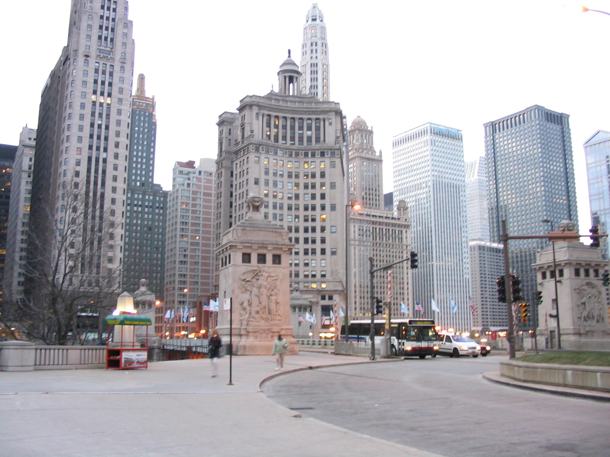 File:Downtown Chicago Illinois Nov05 stb 2461.jpg