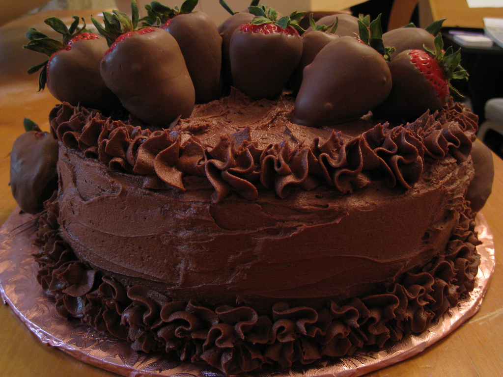chocolate cake chocolate cake dessert chocolate covered strawberries strawberries food 5221 shares source foodforfatties blog