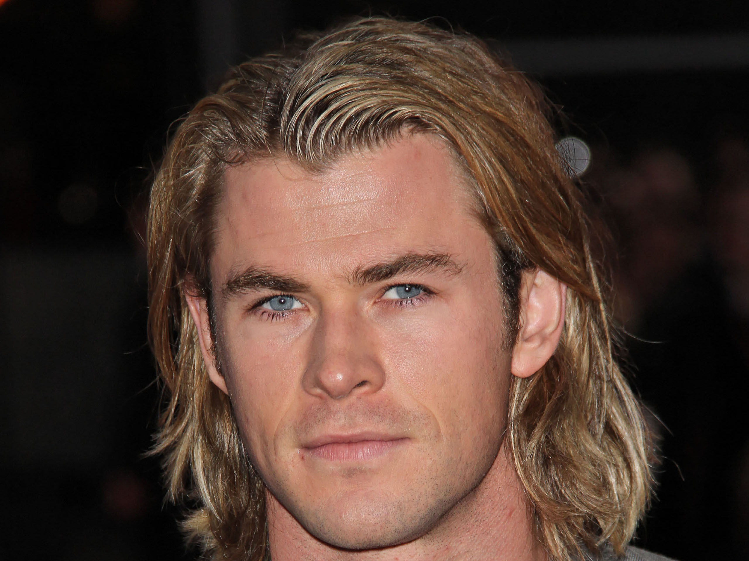 Chris Hemsworth Hd Background Wallpaper 22