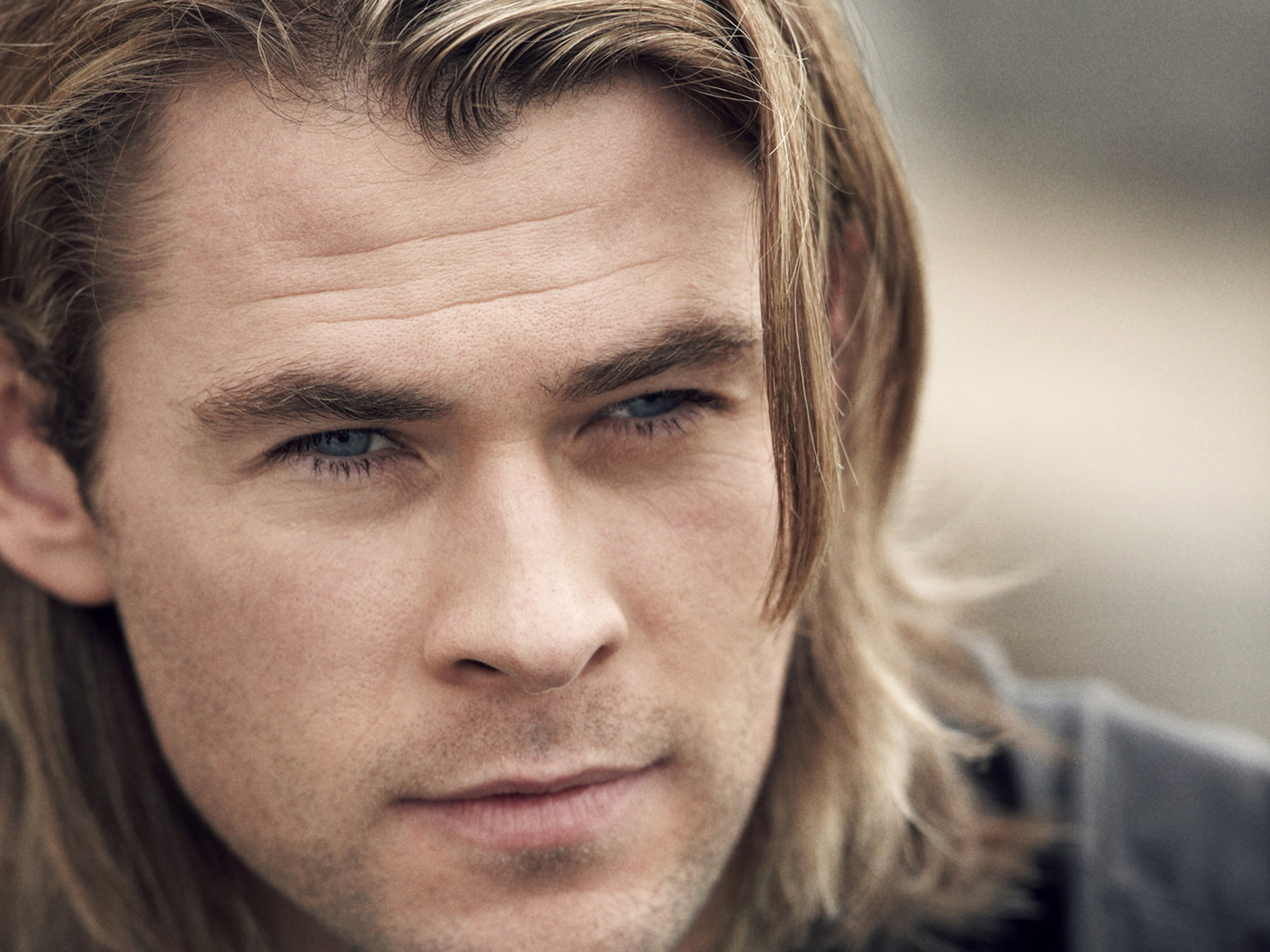 These wallpapers are high definition and available in wide range of sizes and resolutions. Download Chris Hemsworth Wallpapers absolutely free for your Pc, ...