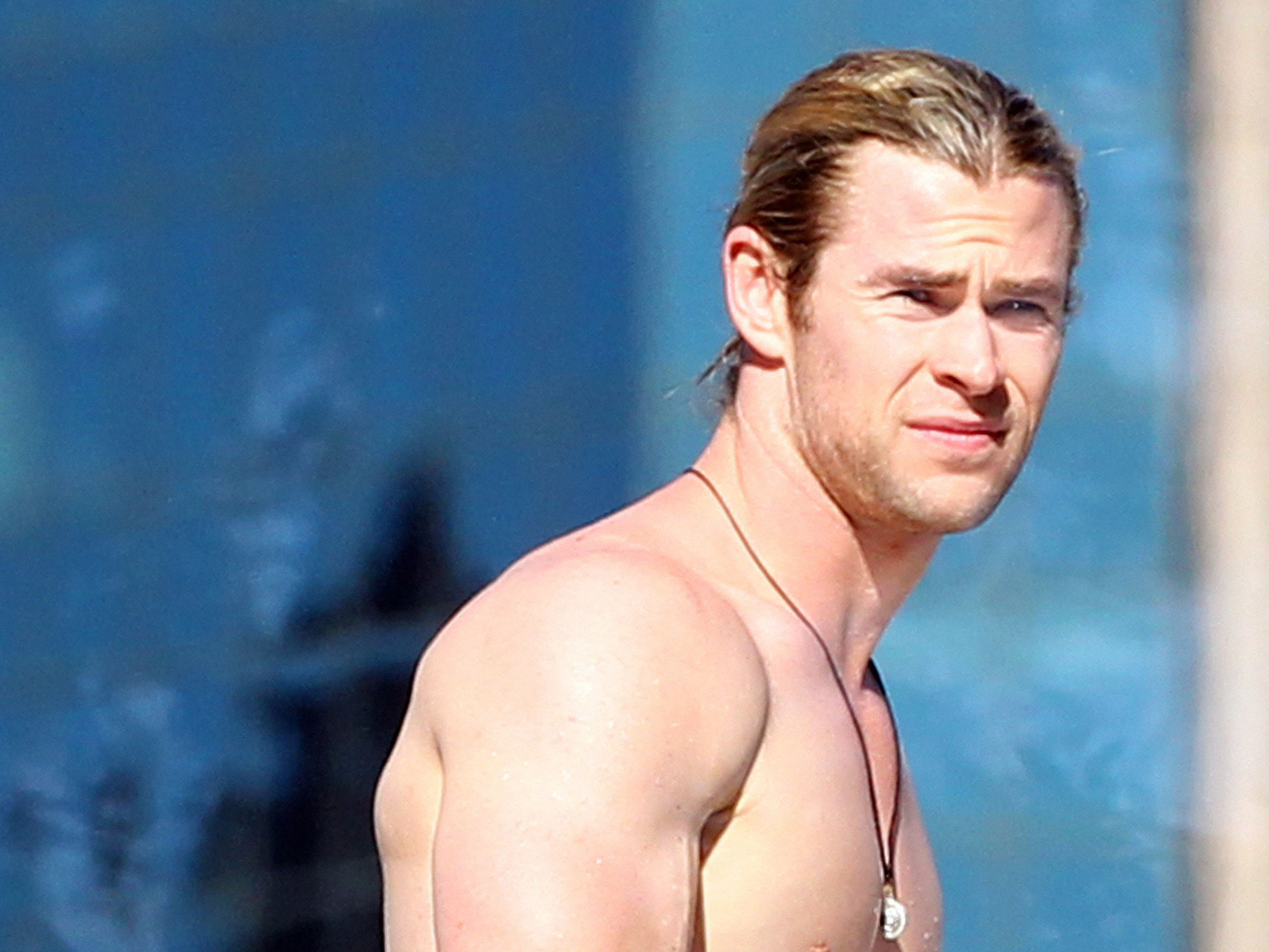 Chris Hemsworth Hd Background Wallpaper 41