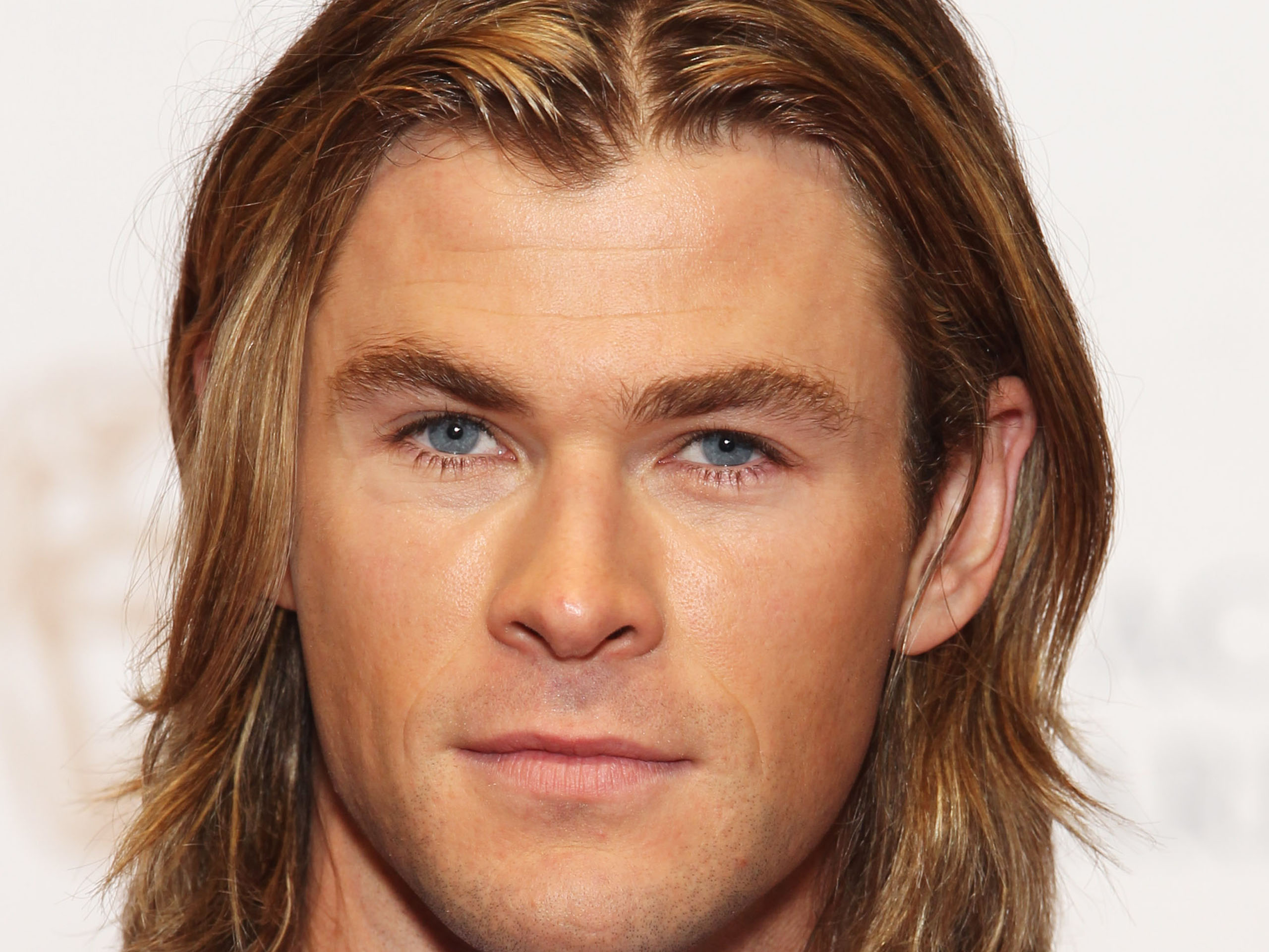 Chris Hemsworth Blue Eyes 40398 Hi-Resolution