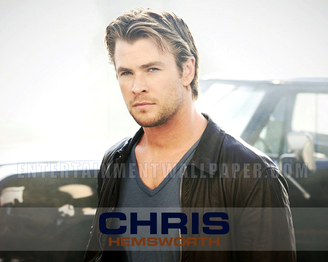 Android HTC Sensation x Chris hemsworth Wallpapers HD