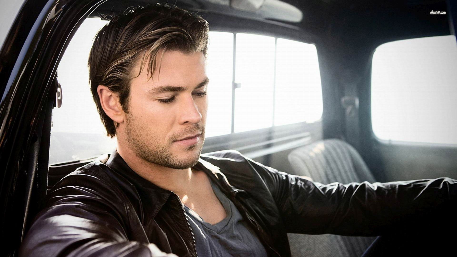 chris-hemsworth-04426.jpg (1920×1080)