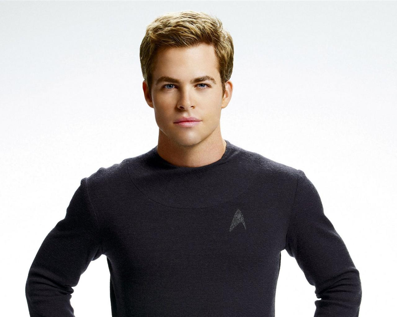... chris pine images (8) ...