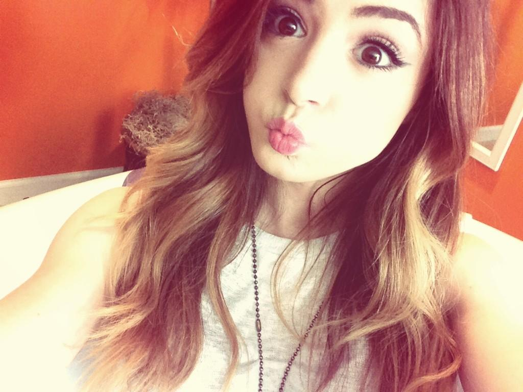 Chrissy Costanza Top Wallpapers