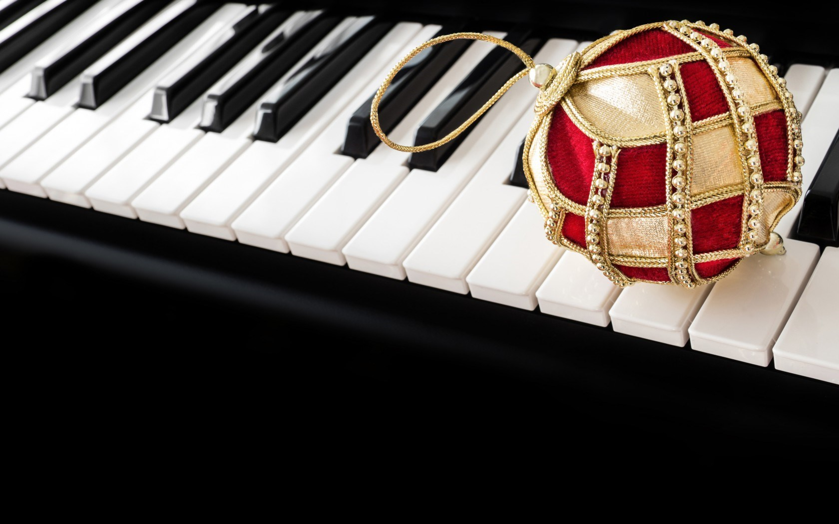 Christmas Ball Piano Music