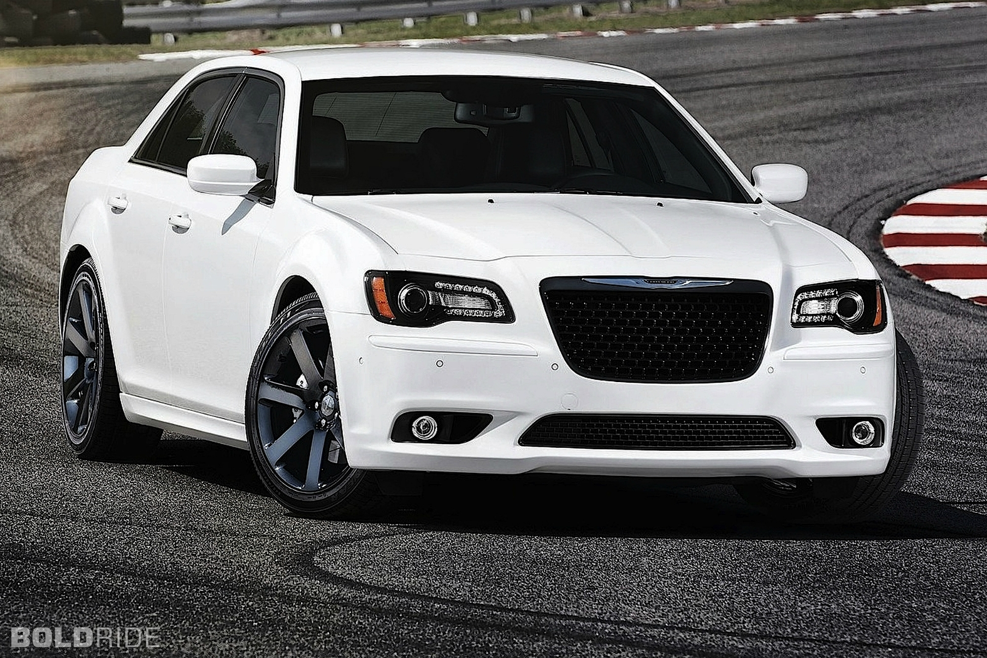 2012 Chrysler 300 SRT8 1600 x 1200