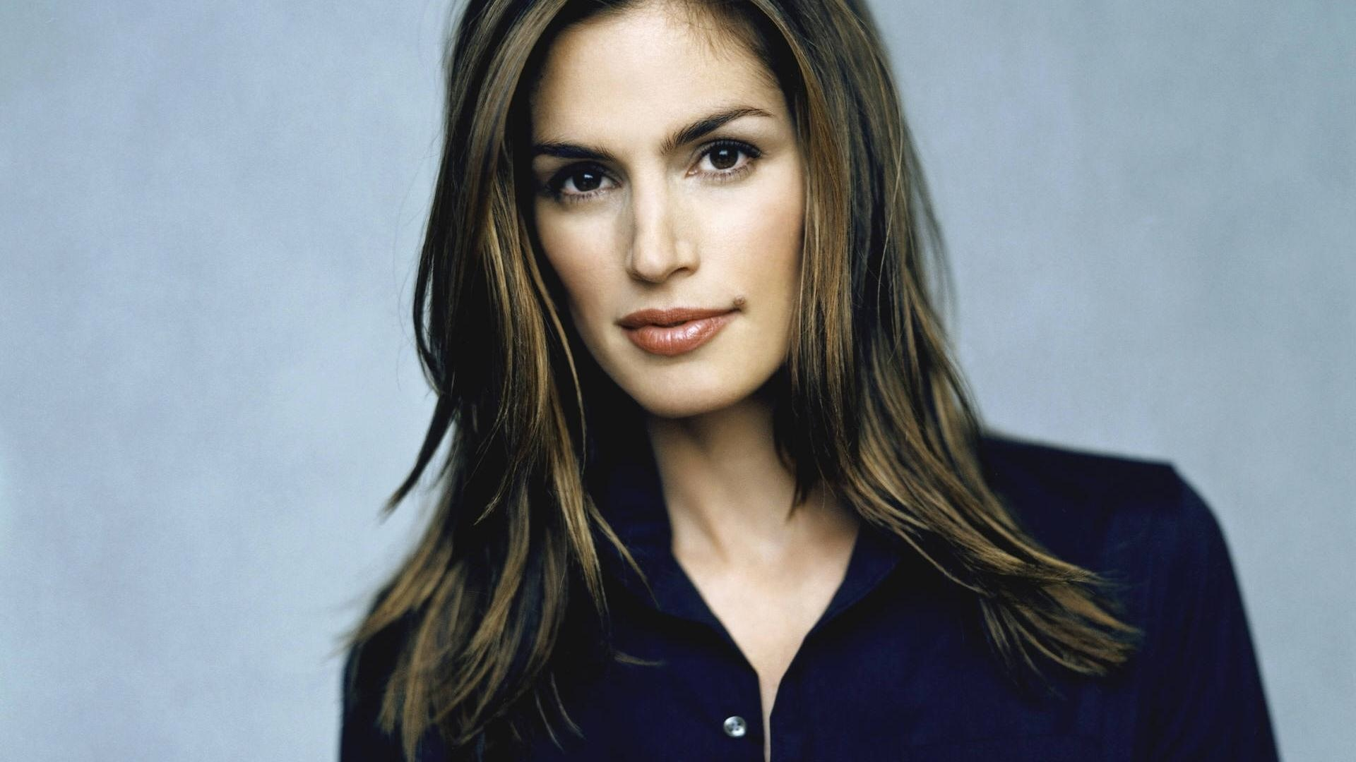 Unretouched photo of Cindy Crawford is fake, says photographer