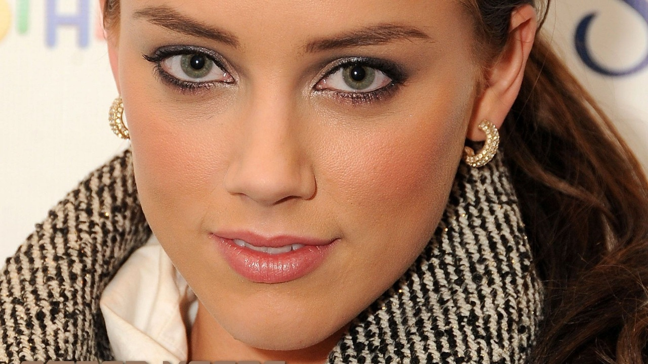Amber Heard Close Up Hd