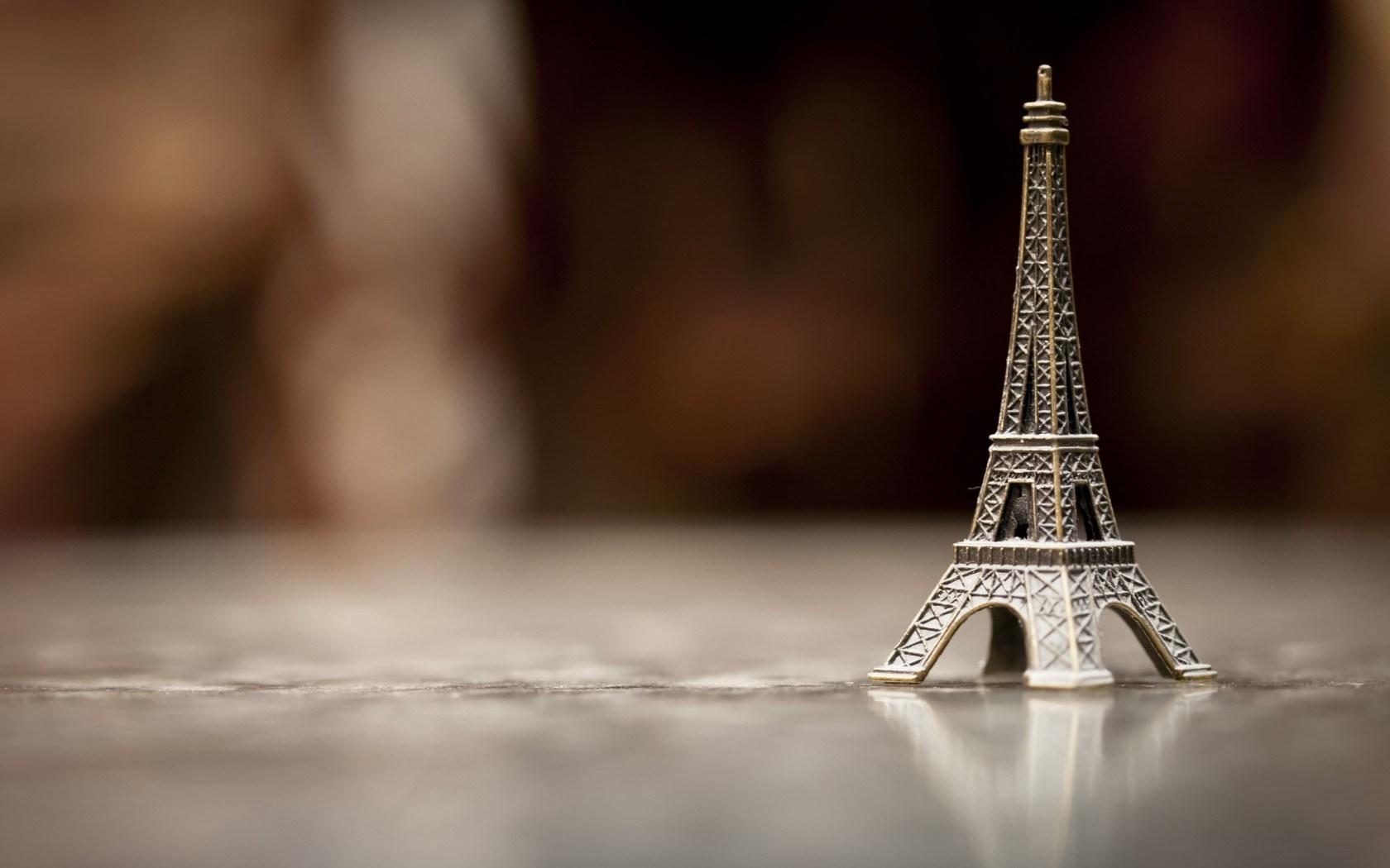 Eiffel Tower Close-Up HD Wallpaper