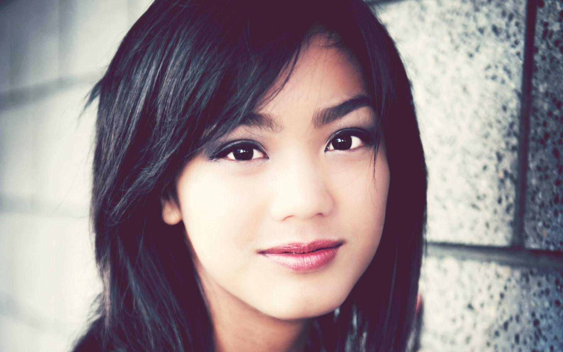 Close-Up Photography Beauty Brunette Girl