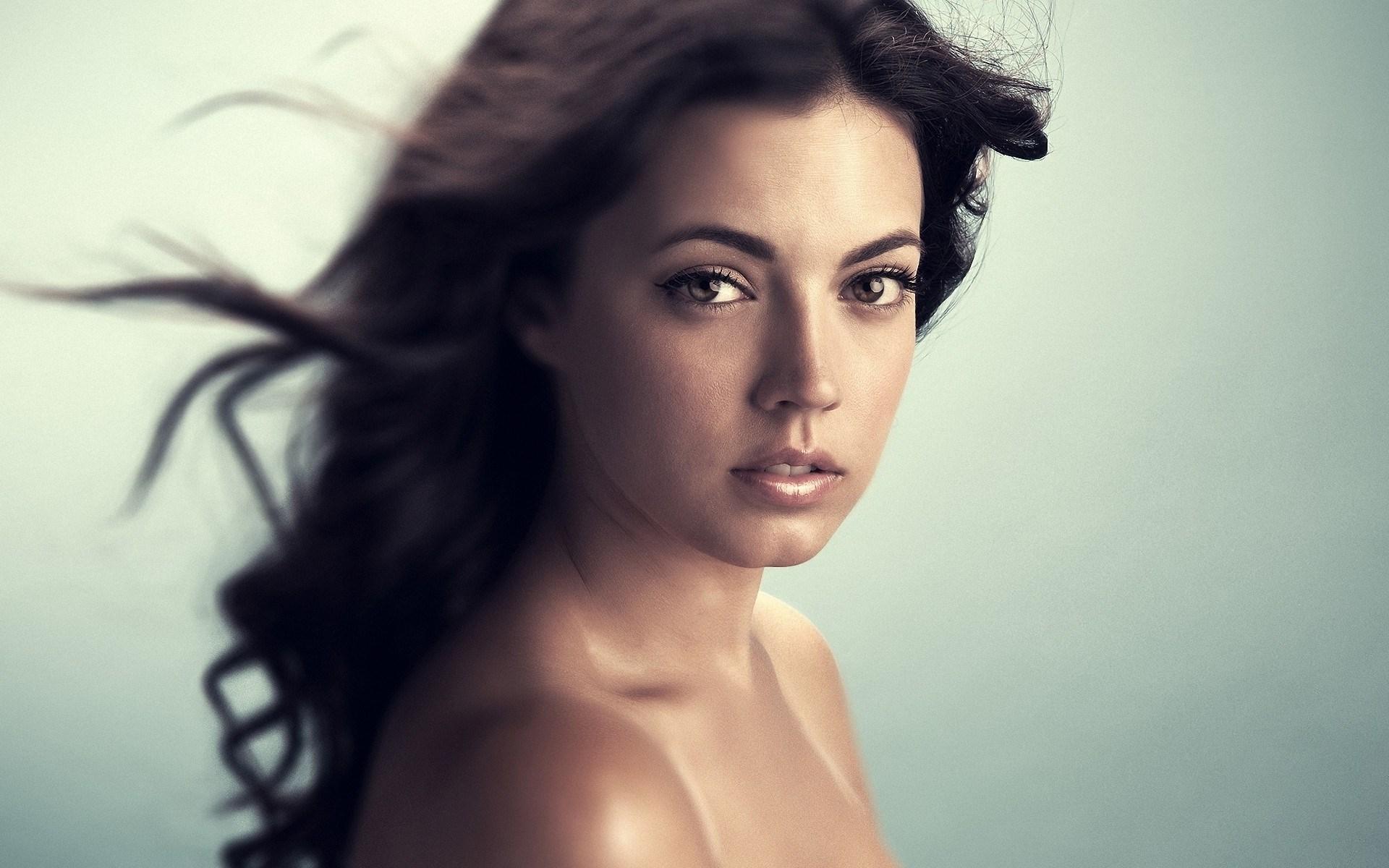 Close-Up Portrait Brunette Girl Photo