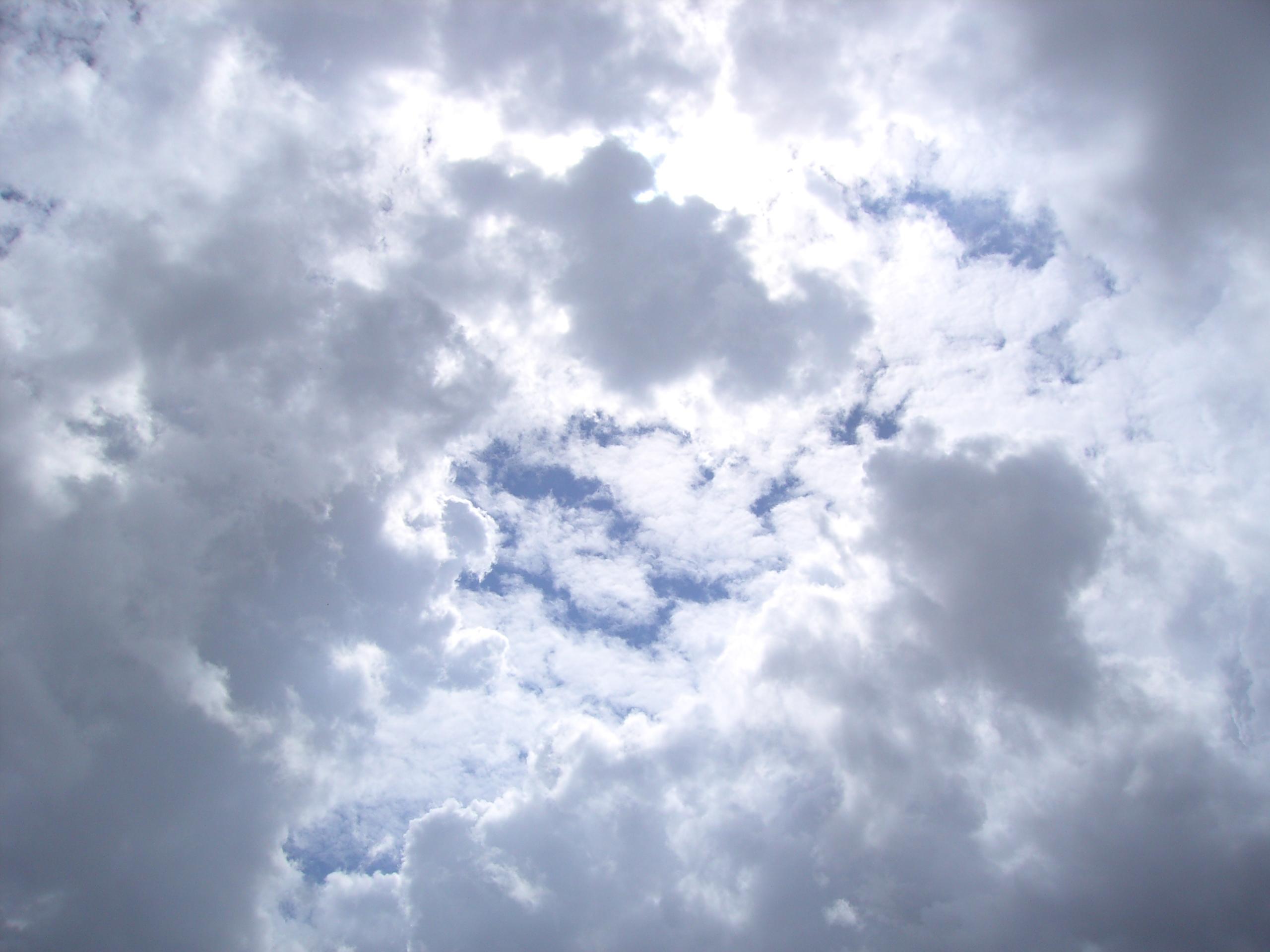 File:Rain clouds.JPG